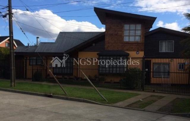 Amplia casa con dos cabañas grandes en Sector Orostegui